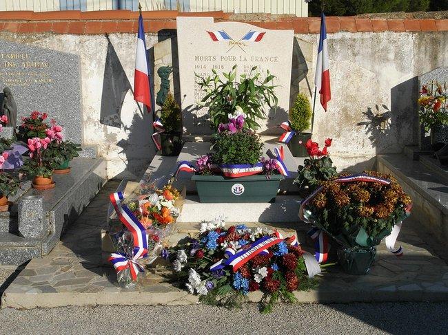 09 NOVEMBRE - Tombe des soldats cimetière La Londe