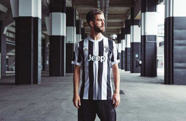 adidas dévoile le nouveau maillot domicile pour la saison 2017-2018 !