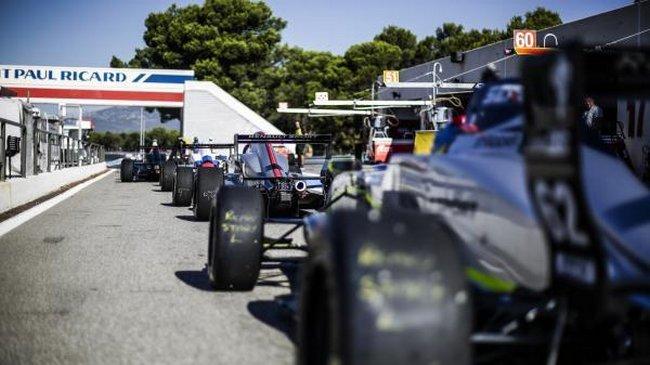 la Formule Renault Eurocup est désormais assurée de réunir trente jeunes pilotes talentueux sur les grilles de départ de la saison 2017