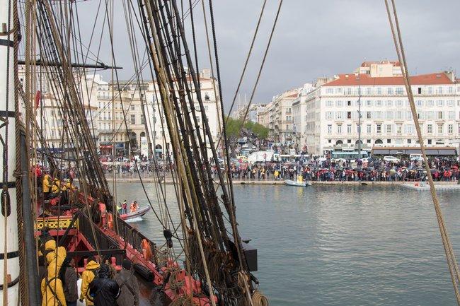 L'Hermione hisse le pavillon de la Francophonie à Marseille 3