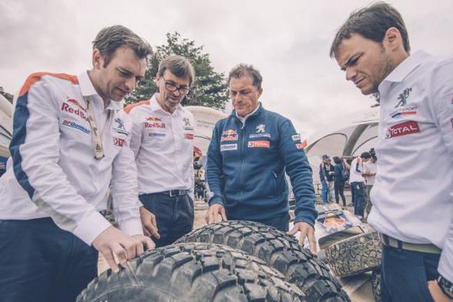 Peugeot signe un triplé historique 8
