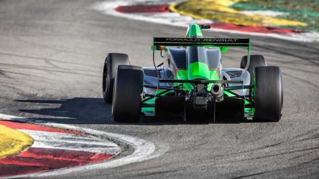 Sacha Fenestraz conclut les essais avec un record au Nürburgring